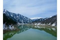 黒部湖(1,455m)
